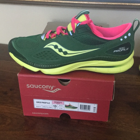 eeb5289164892 Women's Saucony Grid Profile Running shoes - Sz 10 NWT